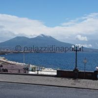 vista su via Nazario Sauro e sul Vesuvio