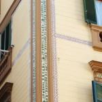 via Merliani 7 - fregio maiolicato lesena