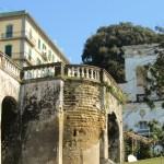 villa Belvedere - muraglione lato strada