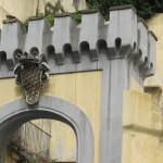 Arco d'ingresso su via Salvator Rosa