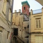 vista cortile con torre merlata