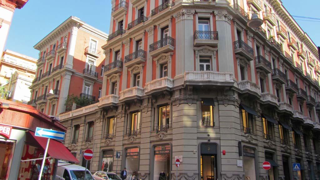 Palazzo spinelli 16 palazzi di napoli for Piani di palazzi contemporanei