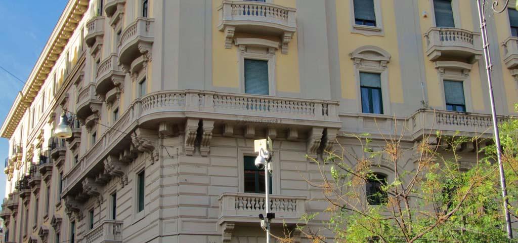Palazzo cottrau ricciardi palazzi di napoli for Piani di palazzi contemporanei