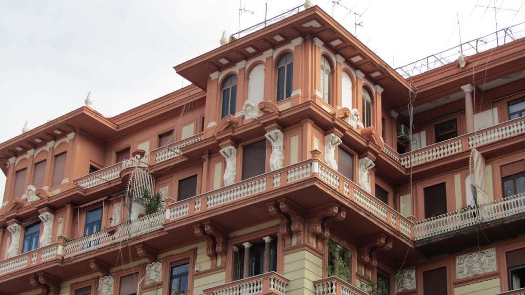 Palazzo ex odeon palazzi di napoli for Piani di palazzi contemporanei