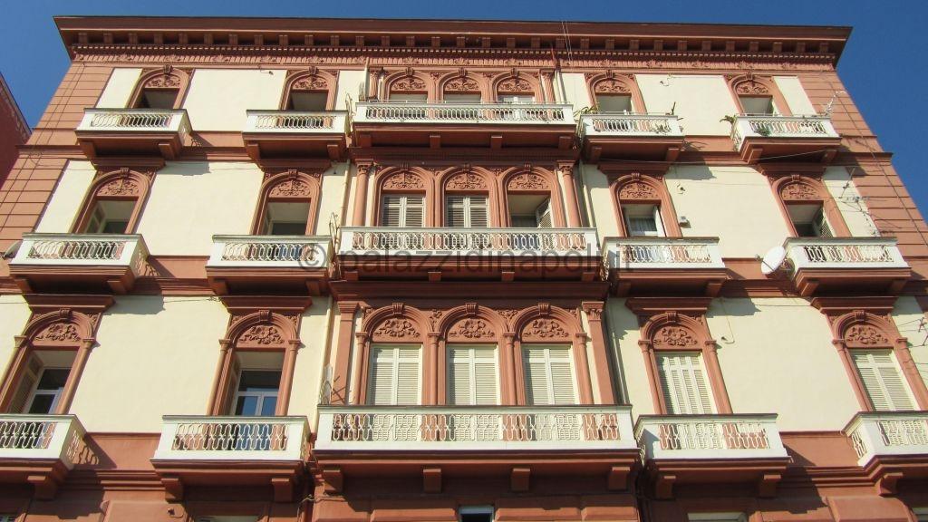 Palazzo ferdinando quagliuolo 314 palazzi di napoli for Piani di palazzo con piscina coperta