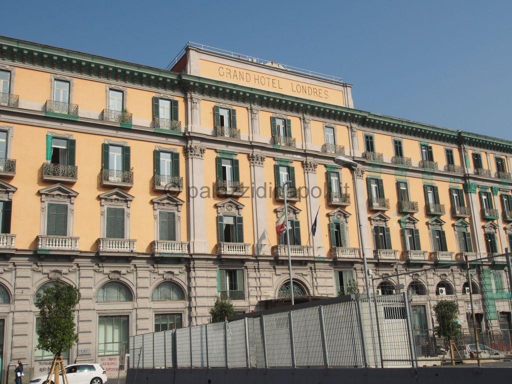 Grand hotel de londres palazzi di napoli for Hotels londres