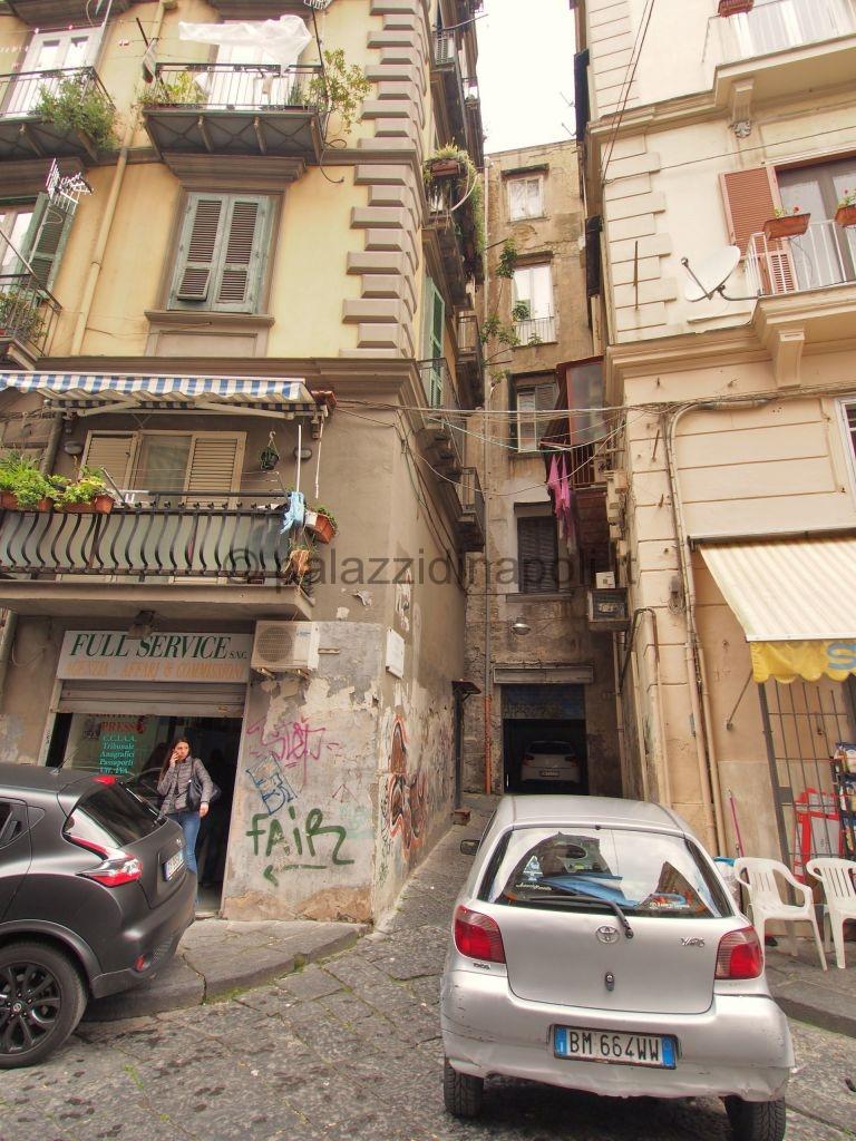 Via Sedile Di Porto.Gradini Della Piazzetta Palazzi Di Napoli